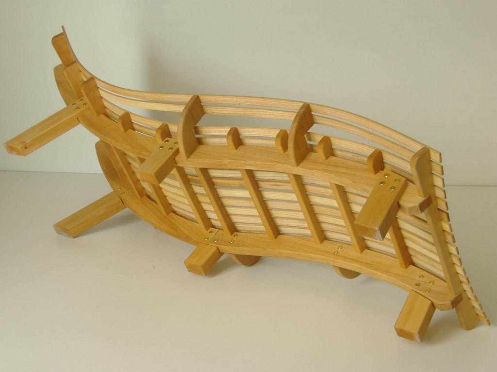 chaise bain de soleil en pin trait e au saturareur. Black Bedroom Furniture Sets. Home Design Ideas