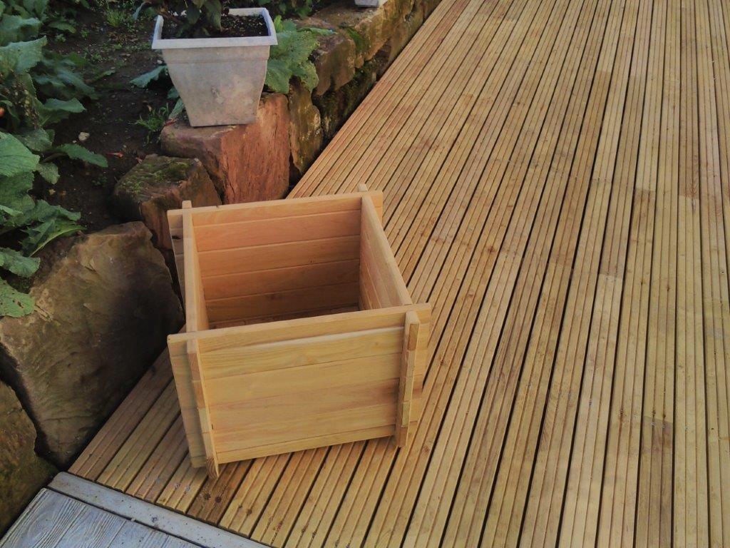 Lame de terrasse 110 22 mm robinier acacia rainur es for Lame de terrasse robinier